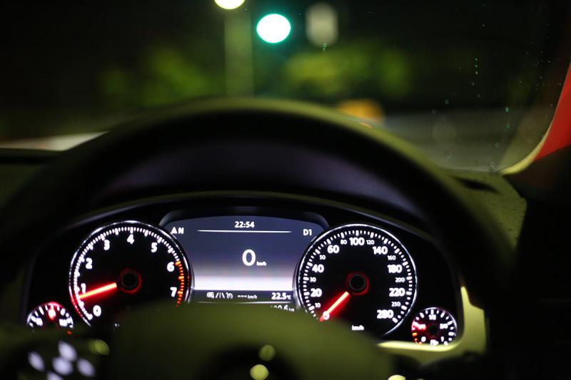 トゥアレグで深夜のドライブ